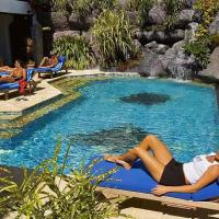Manta Ray Bay Resort, hotel a Colonia