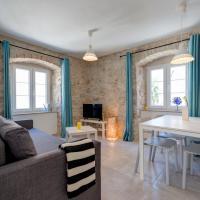 House Riva, hotel in Supetar