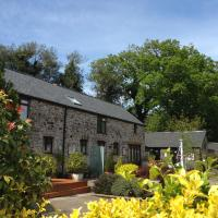 Petrock Holiday Cottages, hotel in Newton Saint Petrock
