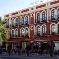 Hotel Manolo Mayo, hotel in Los Palacios y Villafranca