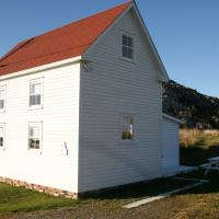 The Old Salt Box Co. - Daisy's Place, hotel em Herring Neck
