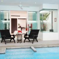 The Old Phuket - Karon Beach Resort, отель в городе Карон-Бич