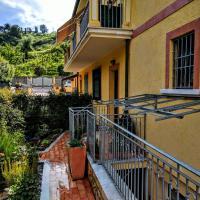Sally's B&B, hotel in Carrara