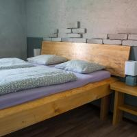 Pura Vida, hotel v Zaječí