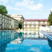 Q Hotel, hotel din Neptun