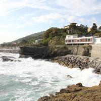 Hotel La Scogliera, hotell i Cavi di Lavagna