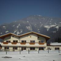 Ferienhaus Zillertal, hotel in Stumm