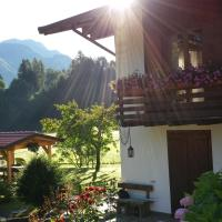 Chalet Monica, hotell i Molina di Ledro
