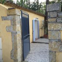Charmant Studio Brignoles, hotel in Brignoles