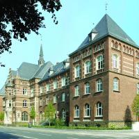 Collegium Leoninum, отель в Бонне