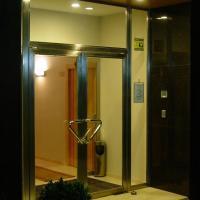 Hostal Don Julio, hotel in Sanlúcar la Mayor