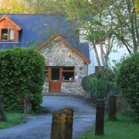 Ballas Farm Country Guest House, hotel in Bridgend