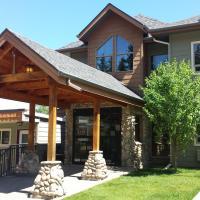 Elkwater Lake Lodge and Resort, hotel em Elkwater