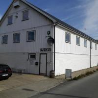 Johs. H. Giæver Hostel, hôtel à Henningsvær