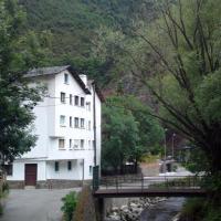 Hotel Peralba, hotel in Aixovall