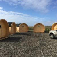 Framtid Camping Lodging Barrels, hotel in Djúpivogur