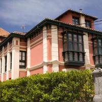 Apartamentos Turísticos La Solana, hotel in Colombres