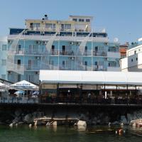 Lotos Hotel, отель в Балчике