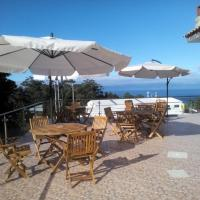Marficas Hostel, hotel in Urzelina