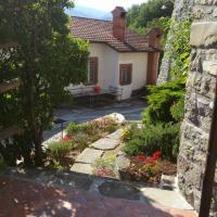 Casa Vacanze Nonna Nella, hotel a Villafranca in Lunigiana