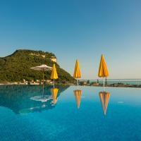 Sky Pool Hotel Sole Garda, hotel in Garda