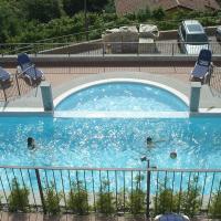 Residence Il Vigneto, hotell i Oggebbio
