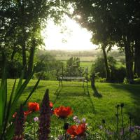 Folly Studio Bed and Breakfast, hotel in Bungay