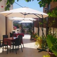 Rosana guest house, hotel en Nazaret