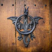 Mons Dragon House