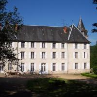 Blismes에 위치한 호텔 Château de Poussignol