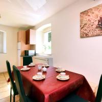Spacious Holiday Home in Saint Vith with Terrace, hotel in Schoenberg