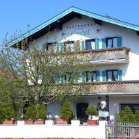 Hotel Jägerhof garni, hotel in Bernau am Chiemsee