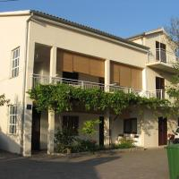 Apartmani Milka, hotel in Starigrad-Paklenica