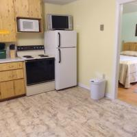 Forest & Lake PEI Cottages, hotel em Murray Harbour