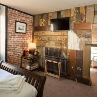 Alma Inn & Dining Rooms, hotel in Harwich