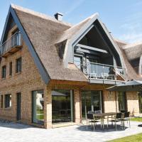 Exklusive Reetdach-Villa Ostseefrische, Hotel in Lobbe