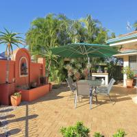 Golden Cane Bed & Breakfast, hotel in Bargara