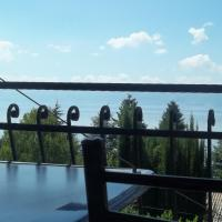Apartment Forest and Lake, hotel em Lagadin