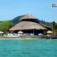 The Blue Sky Resort @ Koh Payam, hotel in Ko Phayam