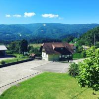 Tourist Farm Pri Ratu, hotel in Selnica ob Dravi