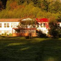 Mt. H'Kusam View Lodge, hotel em Sayward