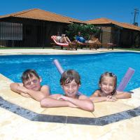 Geraldton's Ocean West Holiday Units & Short Stay Accommodation, hotel em Geraldton