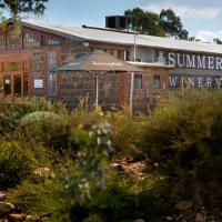 Summerfield Winery and Accommodation, hotel in Moonambel
