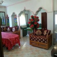 Appartement bni bouayache, hotel near Cherif Al Idrissi Airport - AHU, Aït Farts