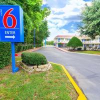 Motel 6-Huntsville, TX