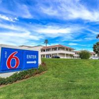 Motel 6-Carlsbad, CA Beach, hôtel à Carlsbad