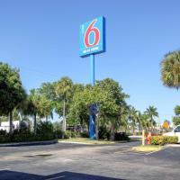 Motel 6-Lantana, FL