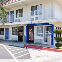 Motel 6-Bakersfield, CA - Convention Center