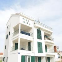 Beachfront Apartments Villa Šiša, hotel in Primošten