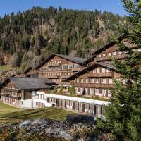 HUUS Gstaad, hotel in Gstaad